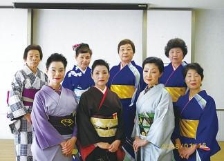 南知多町文化協会芸能舞踊部慰問