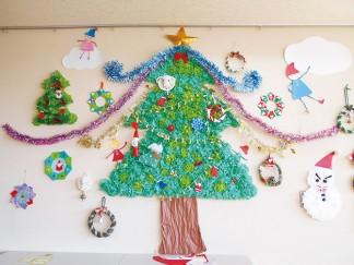 クリスマスのミニ壁面が完成しました