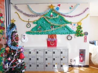 クリスマス用の壁面を作りました